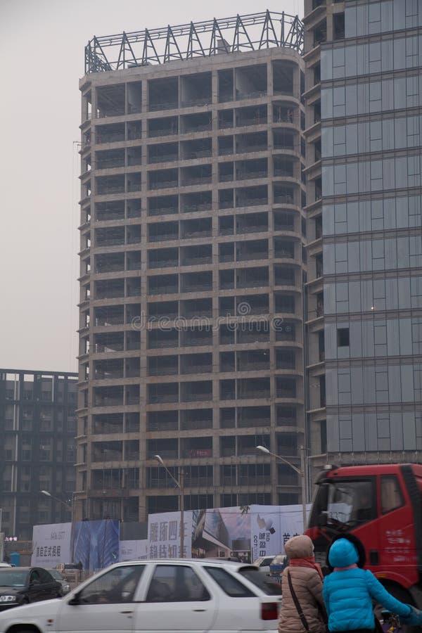 18 de dezembro de 2014, Pequim China baixo ângulo de construções inacabados imagens de stock royalty free