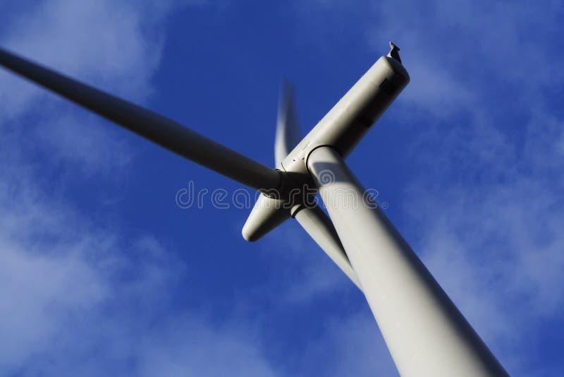 De Dichte Mening van Windfarm van Blacklaw van Turbine in Kleur royalty-vrije stock foto's