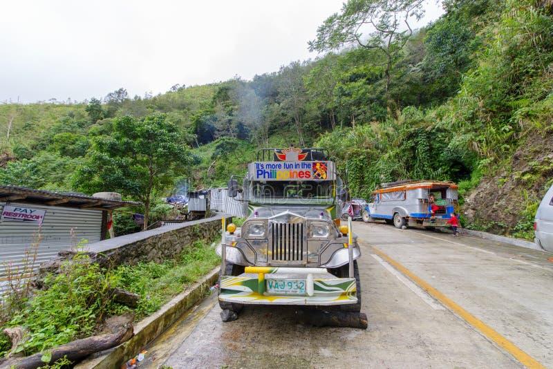 31 de diciembre de 2017 estacionamiento de Jeepney en la entrada de Batad, Banaue imágenes de archivo libres de regalías