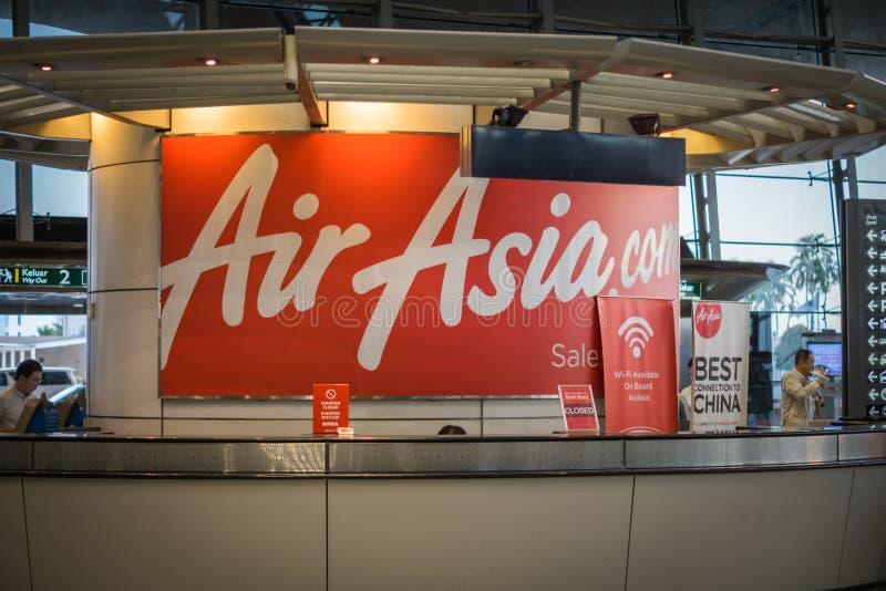 De dienstteller van luchtazië in Kuala Lumpur International Airport, Maleisië stock foto
