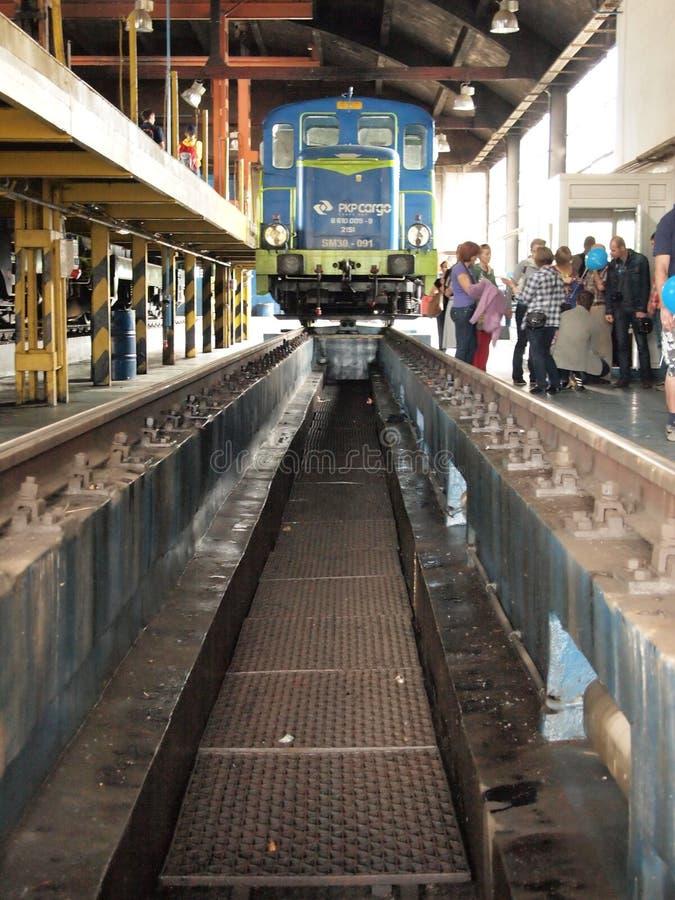 De diensttunnel voor elektrische locomotieven stock afbeeldingen