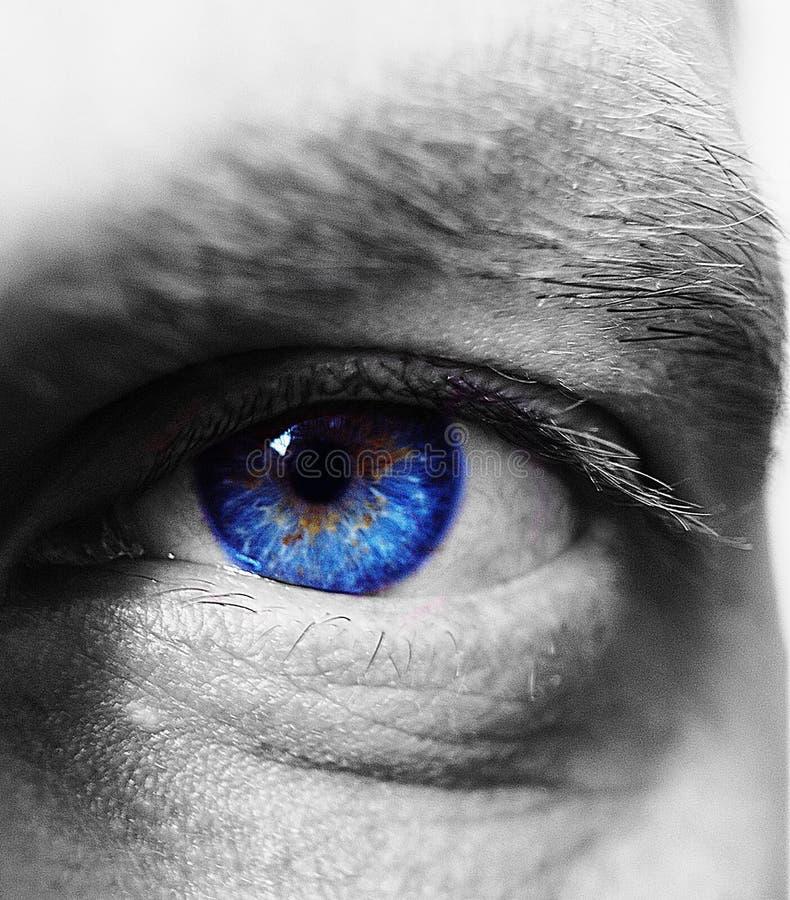 De diepte van het blauwe oog ziet eruit royalty-vrije stock foto