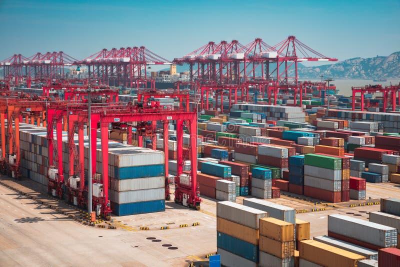 De diepzeehaven van Shanghai Yangshan stock foto's