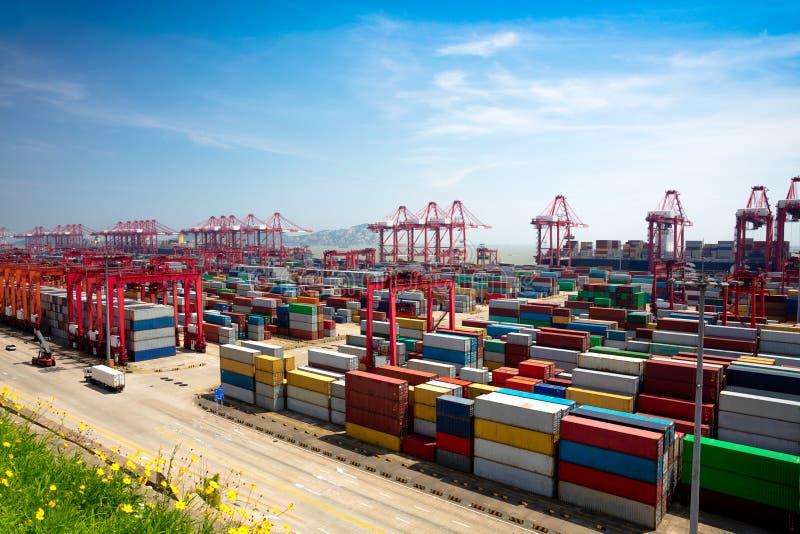 De diepzeehaven van Shanghai Yangshan royalty-vrije stock foto's