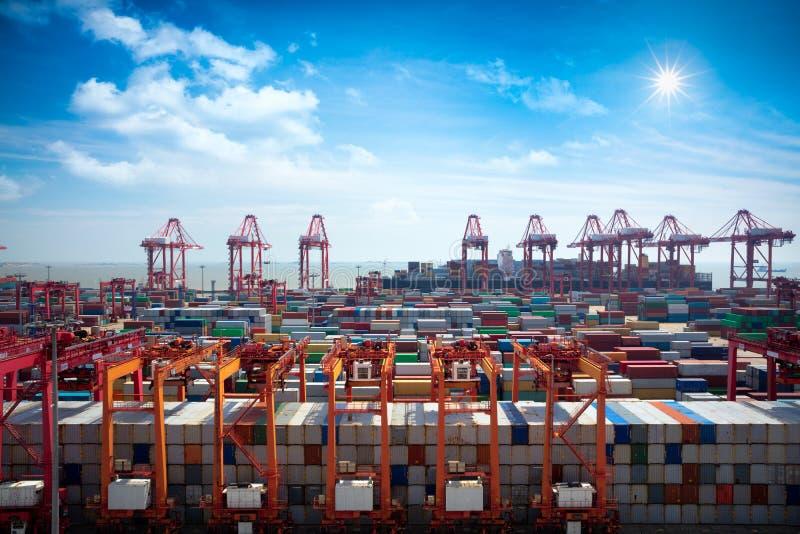 De diepzeehaven van Shanghai Yangshan royalty-vrije stock fotografie