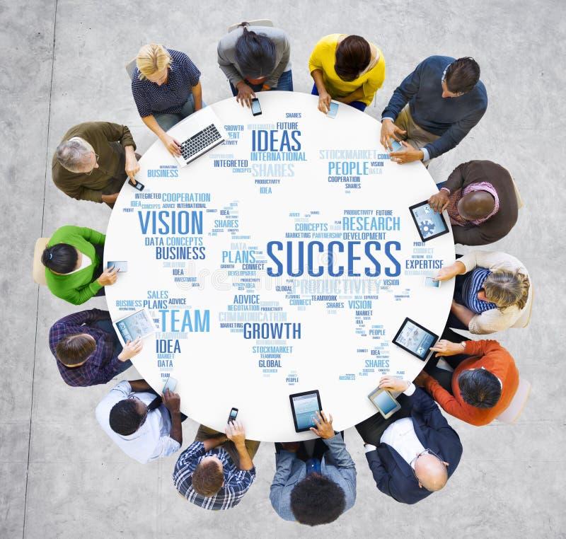 De Digitas do dispositivo da tecnologia executivos globais do conceito do sucesso fotos de stock