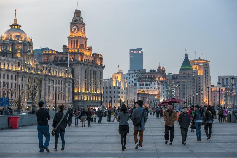 De dijk in Shanghai, China stock afbeeldingen