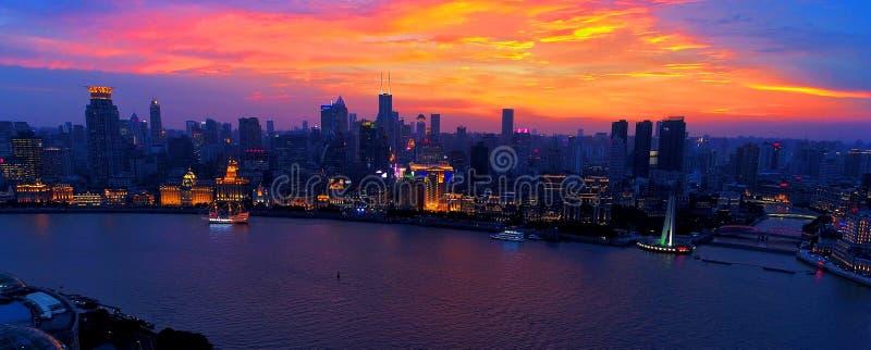 De dijk van Shanghai bij zonsondergang royalty-vrije stock foto's