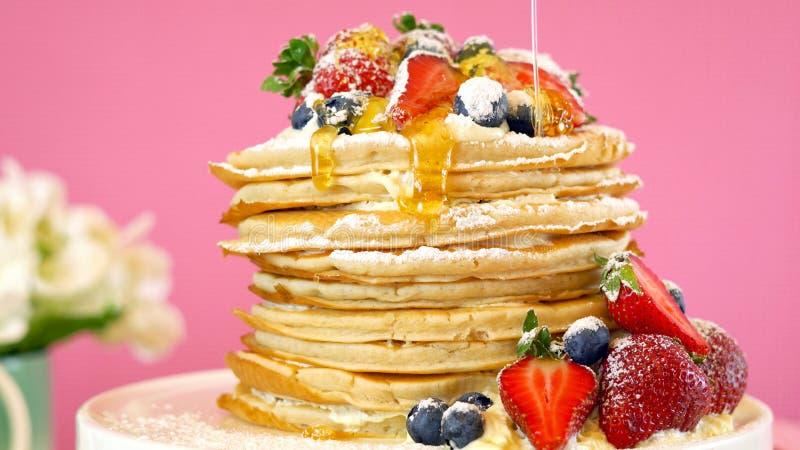 De Dinsdagstapel van de Shrovepannekoek van pannekoekencake stock foto's