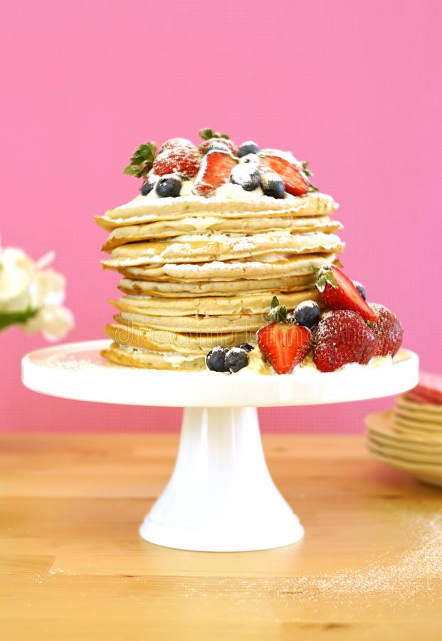 De Dinsdagstapel van de Shrovepannekoek van pannekoekencake stock afbeeldingen
