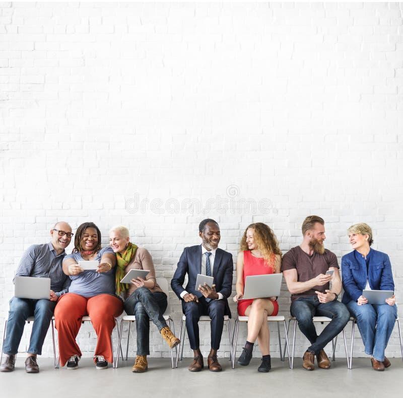 De diverse Technologie Concep van de Groeps Mensen Communautaire Samenhorigheid royalty-vrije stock afbeelding