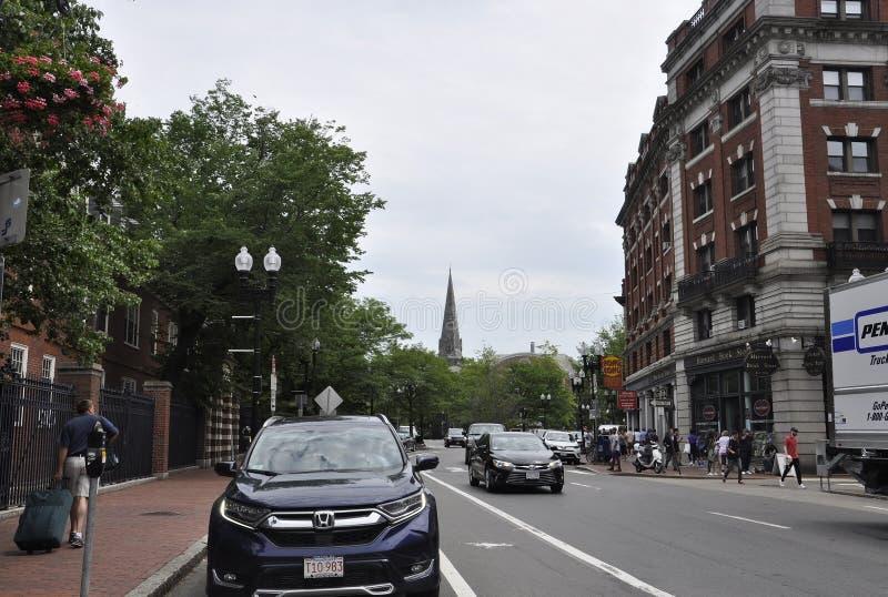 De doctorandus in de letteren van Cambridge, 30 juni: Straatmening van de Staat van Cambridge Massachusettes van de V.S. stock foto