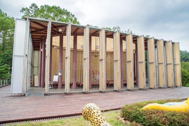 De Document Koepel is een tijdelijk geconstrueerd kerkgebouw stock afbeeldingen