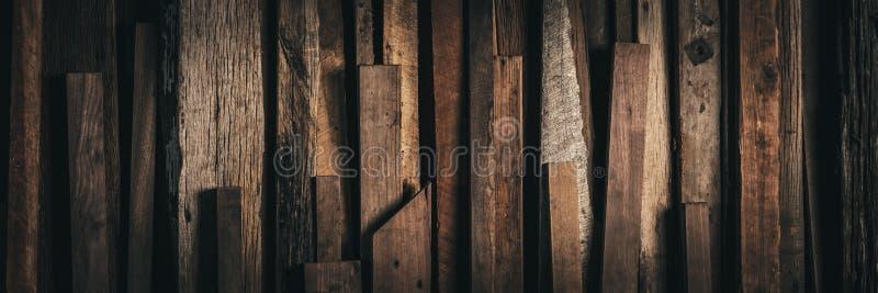 De donkere Doorstane Wijnoogst won Houten Achtergrond terug - Webbanner royalty-vrije stock foto