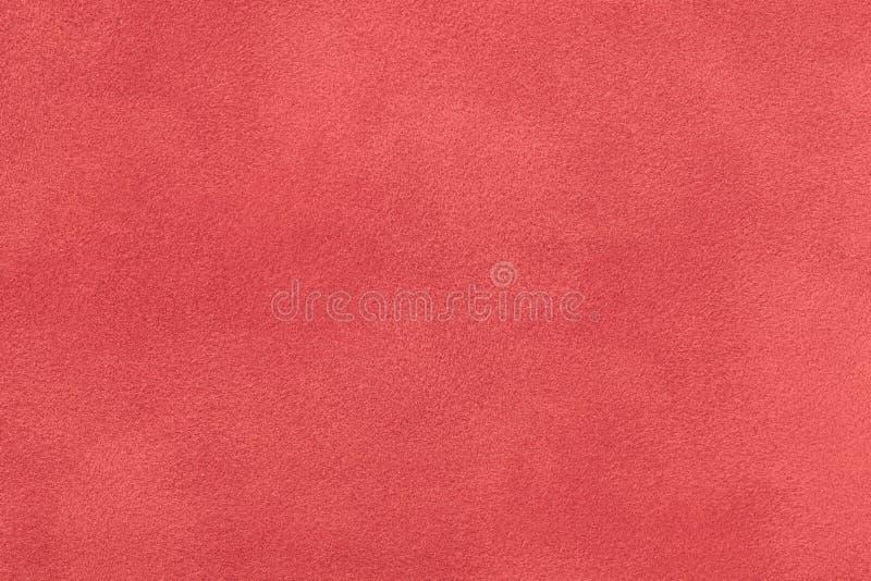 De donkerrode matte close-up van de suèdestof Fluweeltextuur royalty-vrije stock foto's