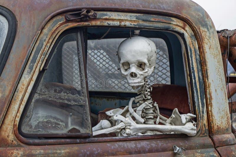 De doodsreizen met de auto royalty-vrije stock afbeelding