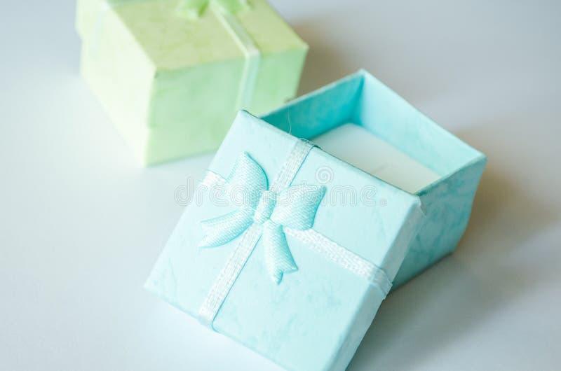 De doos Blauwe doos dozen Groene en blauwe dozen royalty-vrije stock foto's