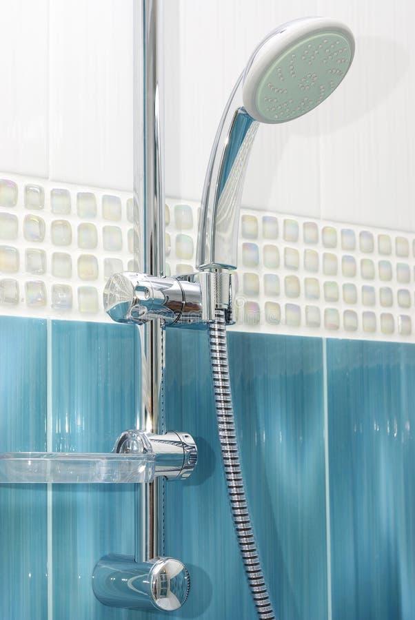 De douche van de badkamers stock afbeelding