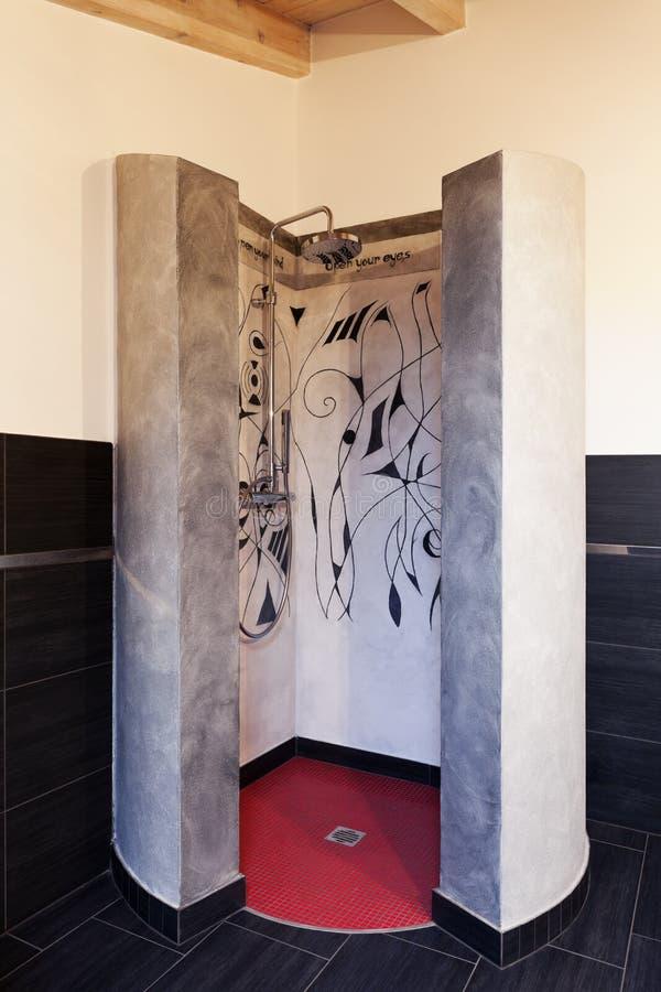 De douche van het beton en van het mozaïek stock foto's