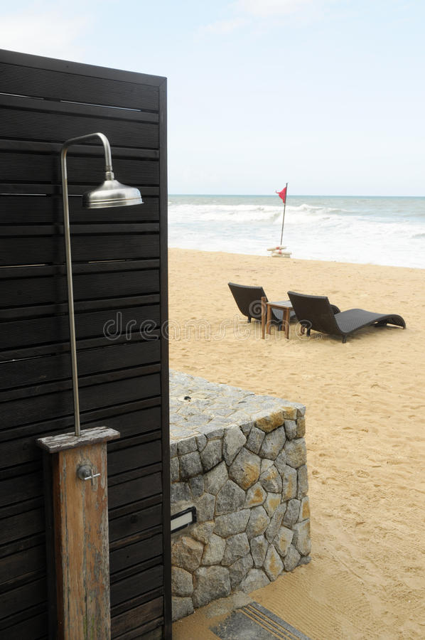 De douche van het strand stock afbeelding