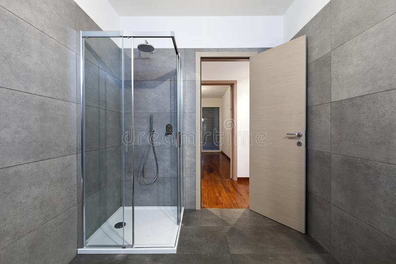 De douchecabine van de badkamers stock afbeelding