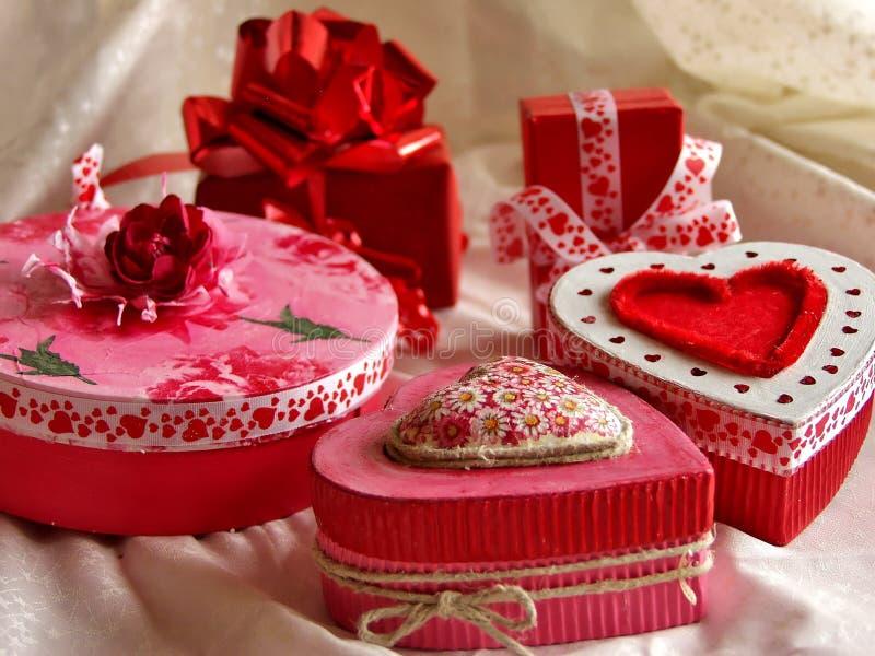 De dozen van de de daggift van de valentijnskaart stock foto