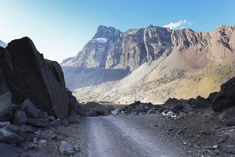 De dramatische bergen van de Andes stock fotografie