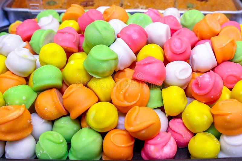 De drie-gekleurde snoepjes van het oosten snoepjes van fruitsuikergoed stock foto's