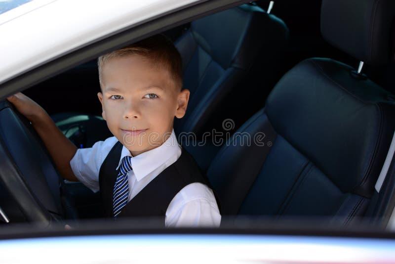 De DrijfAuto van de jongen stock afbeelding