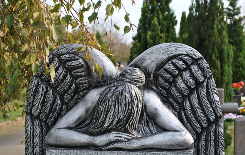 De droevige engel stock foto