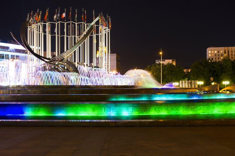 De droge fontein bij de dijk van de Krim stock afbeeldingen