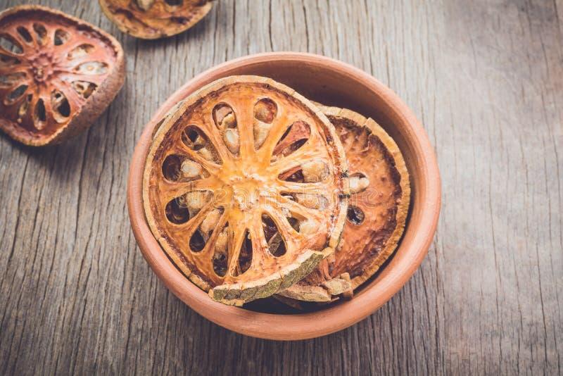 De droge plak van het baelfruit stock foto's
