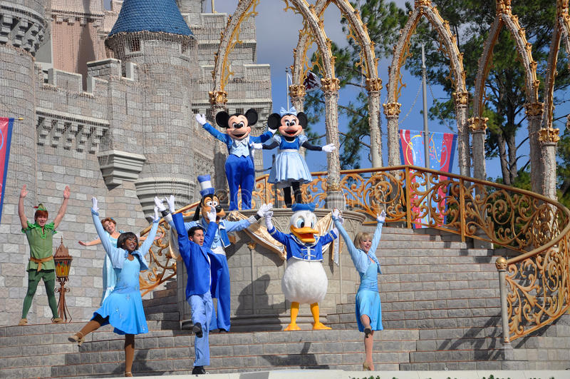 De droom samen met Mickey toont in de Wereld van Disney stock fotografie