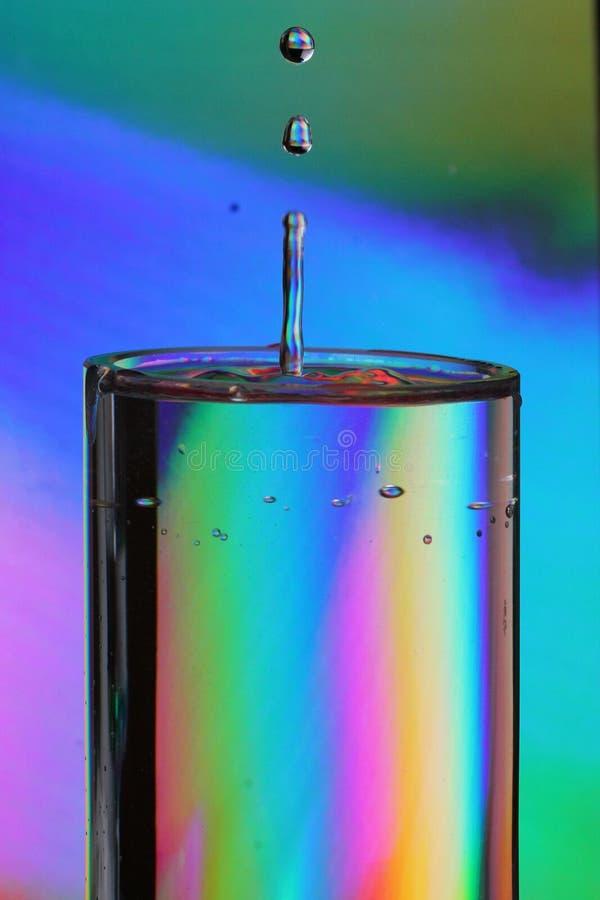 De Druppeltjes van het regenboogglas stock foto's
