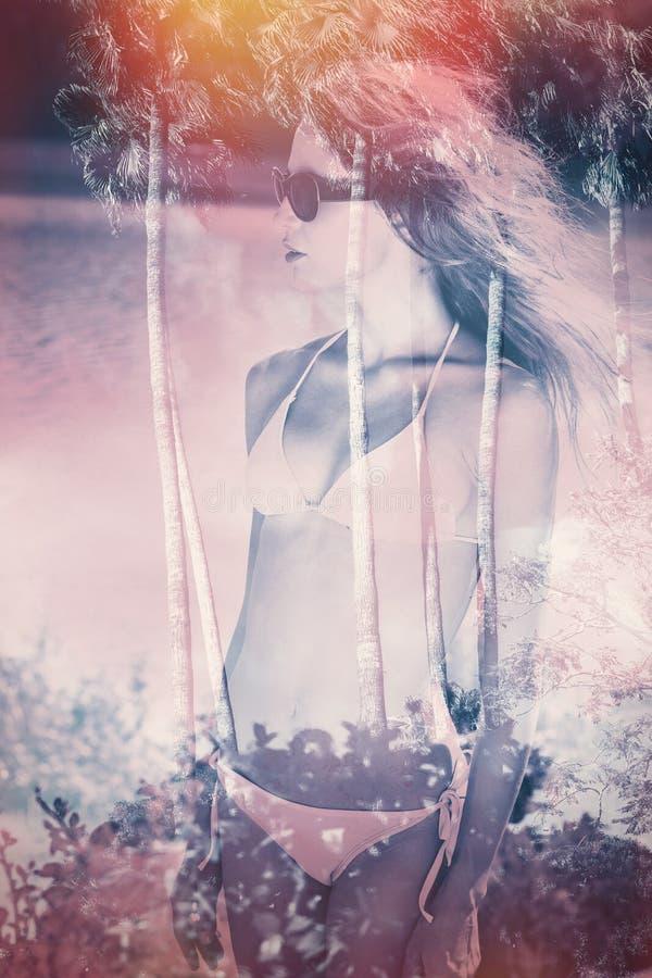 De dubbele blootstelling van het bikinimeisje royalty-vrije stock afbeelding