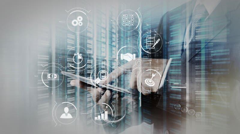 De dubbele blootstelling van zakenman toont moderne technologie als conce stock illustratie