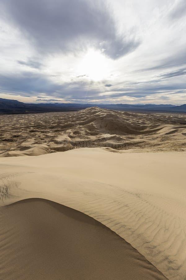 De Duinenwildernis van Kelso in het Nationale Domein van Mojave stock afbeeldingen