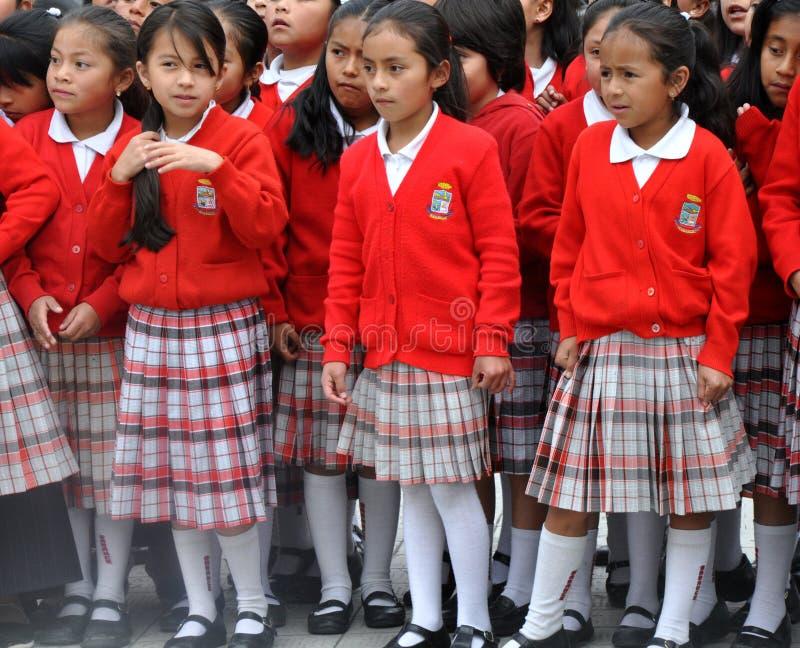 De Ecuatoriaanse Meisjes van de School stock foto's