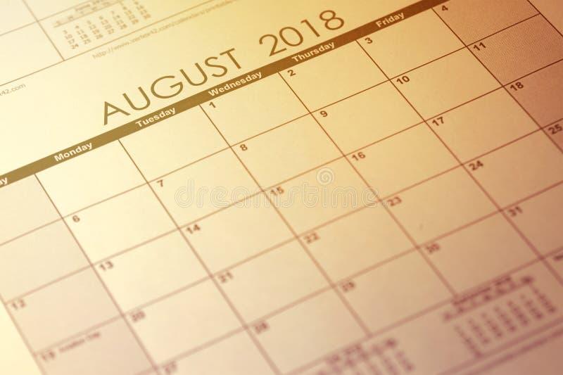 De eenvoudige kalender van Augustus 2018 De week begint van Zondag Gestemd beeld stock afbeelding
