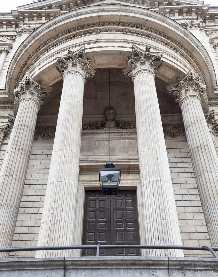 18de eeuw St Paul Cathedral, decoratieve kolommen, Londen, het Verenigd Koninkrijk stock foto's