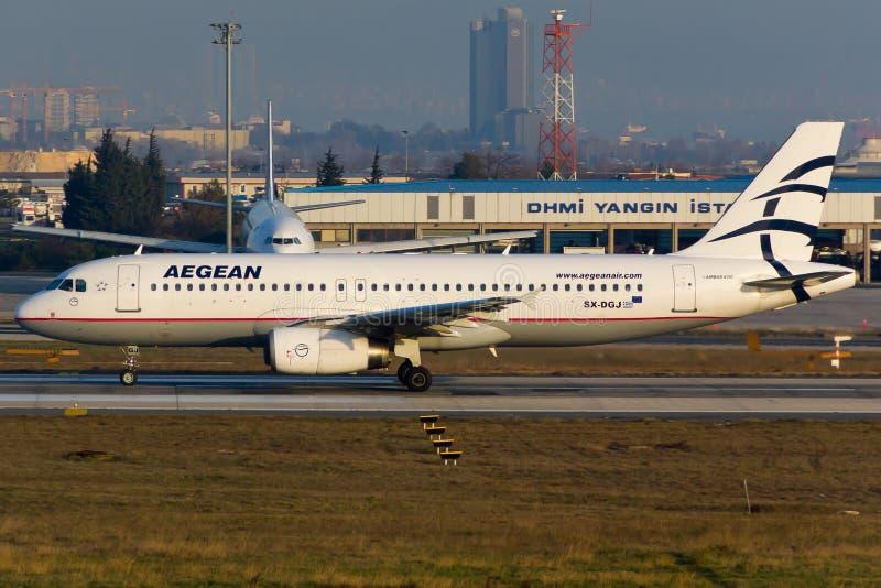 De Egeïsche Luchtbus van Luchtvaartlijnen A320 royalty-vrije stock afbeelding