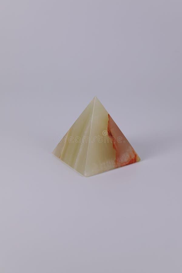 De Egyptische herinneringspiramides voerden van een kleurensteen uit royalty-vrije stock fotografie