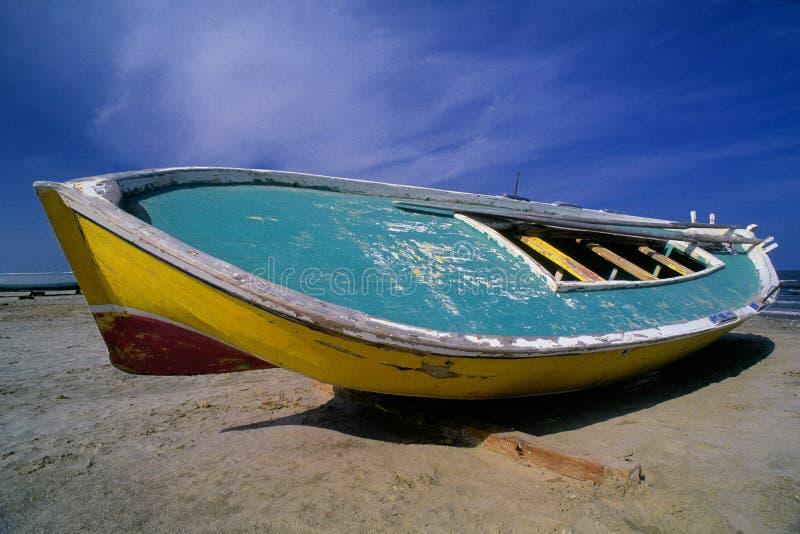 De Egyptische Vissersboot van Beached. stock fotografie