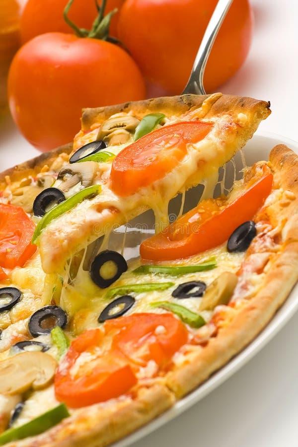 De eigengemaakte kaas van de de olijfpaddestoel van de pizza verse tomaat royalty-vrije stock fotografie