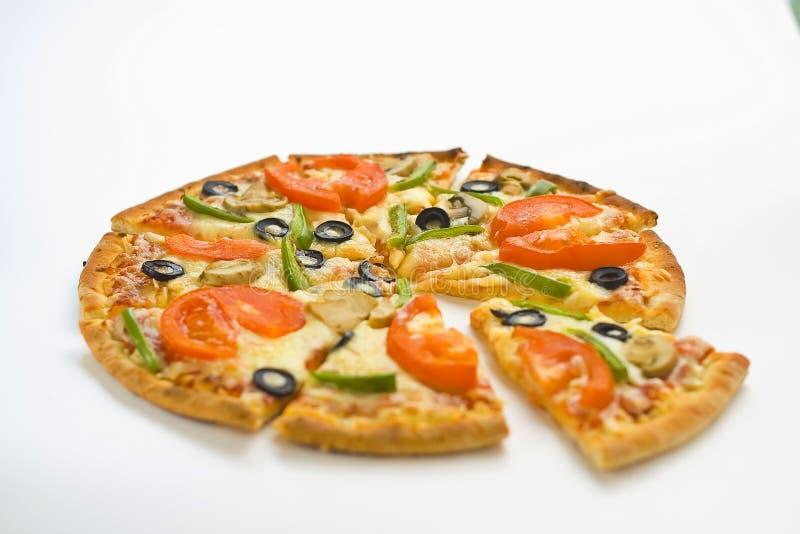 De eigengemaakte kaas van de de olijfpaddestoel van de pizza verse tomaat stock afbeelding