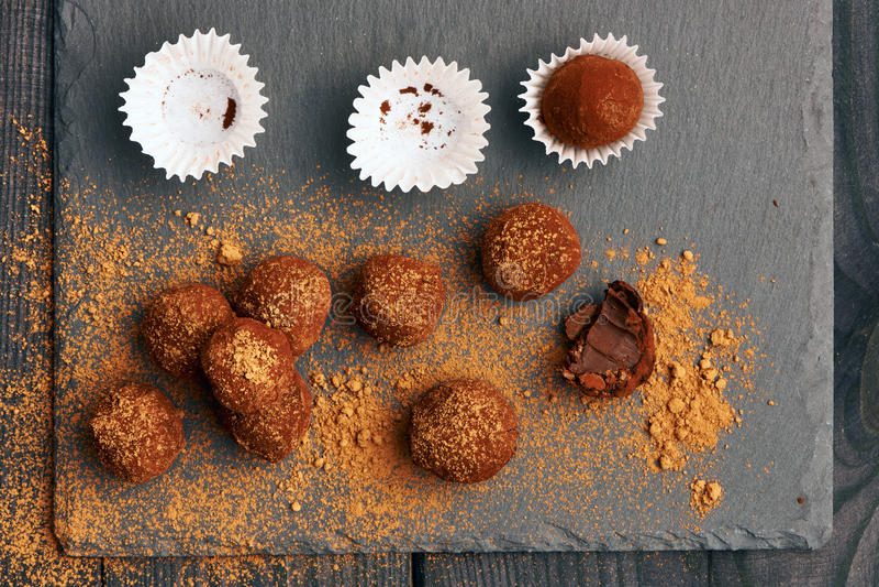 De eigengemaakte Truffels van de Chocolade royalty-vrije stock fotografie