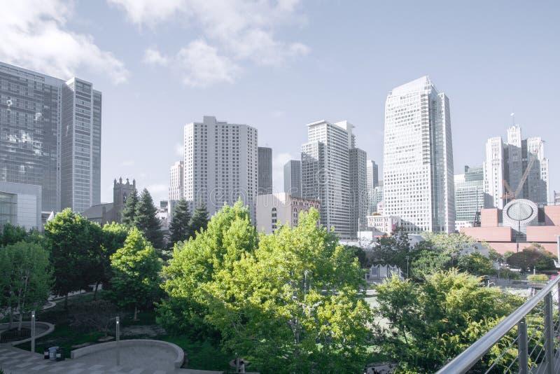 De eigentijdse gebouwen van de bureaustad in San Francisco van de binnenstad royalty-vrije stock foto