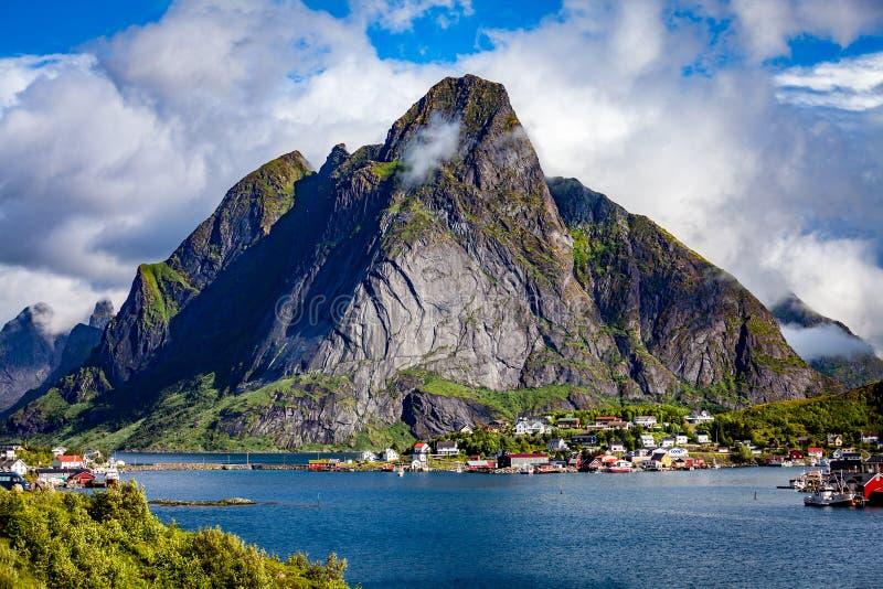 De eilanden Noorwegen van de Lofotenarchipel stock fotografie