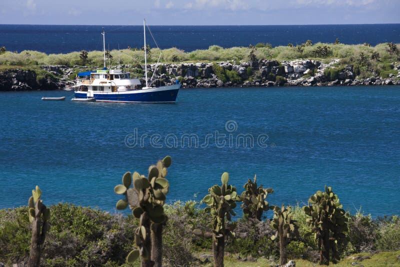 De Eilanden van de Galapagos - de boot van de Toerist stock afbeeldingen