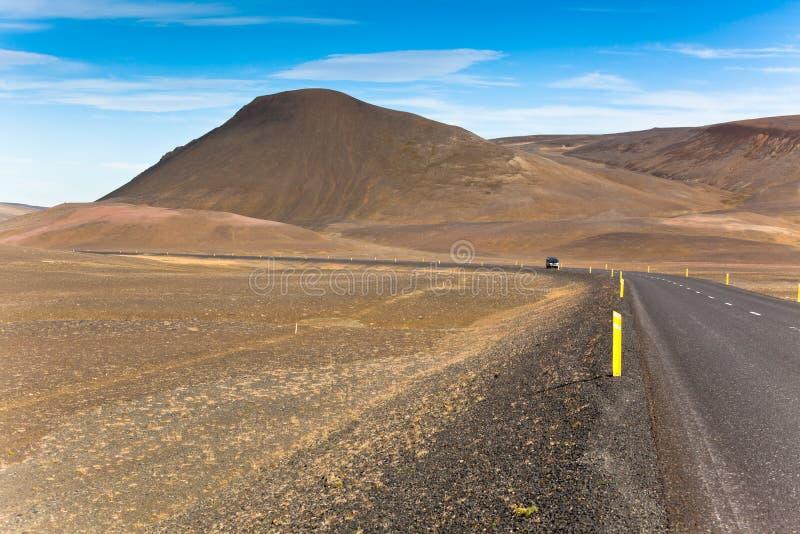 De eindeloze Hooglanden van IJsland van de Weg royalty-vrije stock afbeeldingen